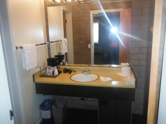Dr. Wilkinson&#39;s Hot Springs Resort: the bathroom sink/dressing area